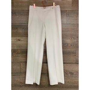 ANN TAYLOR Petite Pants Curvy style white 6P